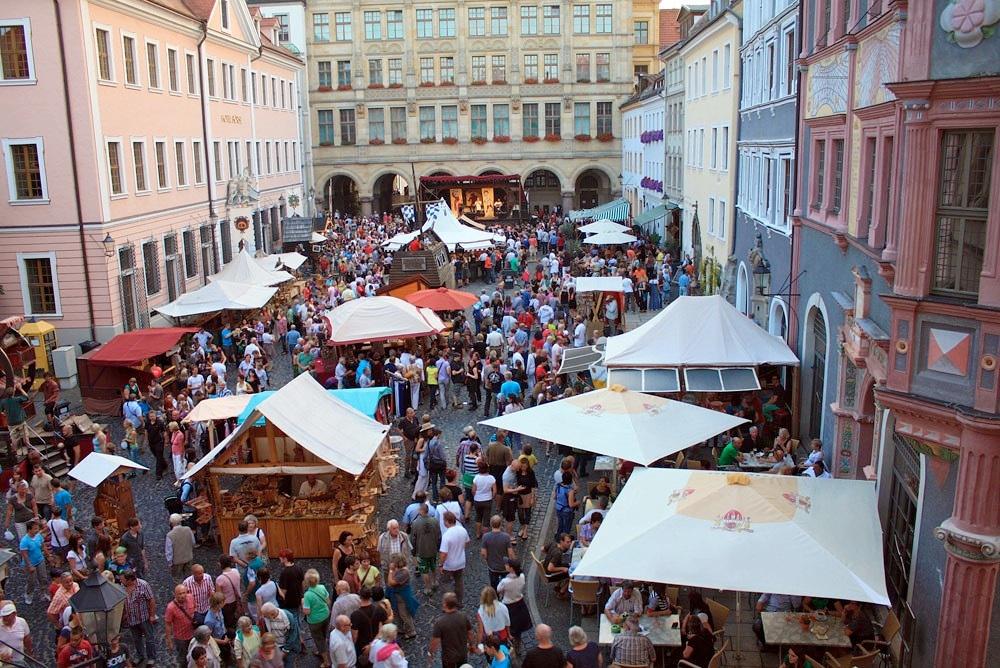 http://www.stadtfuehrungen-goerlitz.eu/kulturkalender_files/altstadtfest-goerlitz.jpg